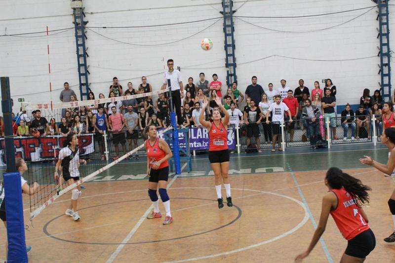 777c684abe Futsal masculino e vôlei masculino e feminino são as modalidades  programadas para a manhã e a tarde
