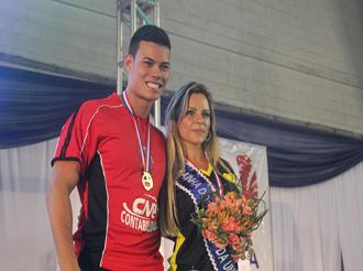 Maria Luiza Penelupi Lopes e Vinícius Lino Wong, Rainha e Rei dos XIX Jogos da Unisanta.