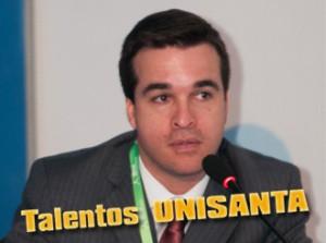 Giancarlo V. de Souza – Ger. Executivo de Distribuição da Elektro presidindo mesa de discussões no SENDI/2012 no RJ