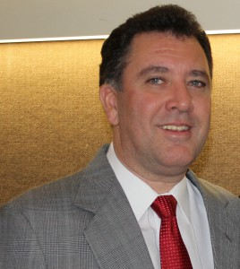Dr Marcelo Teixeira