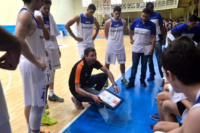 Ex-aluno da Fefesp, Hudson Previdelo, com o time Bauru Basquete. Foto João Pires/LNB